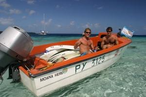 Rodrigo Koxa e Vitor Faria. Tahiti 2004