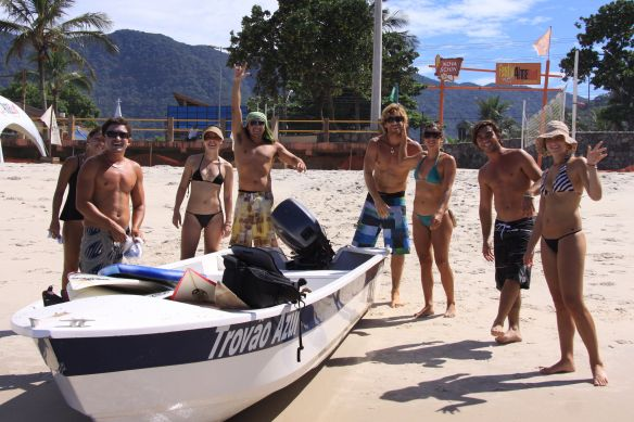 Caixa, Roberta, Camila, Beto, Alemão, Renata, eu e Aline.