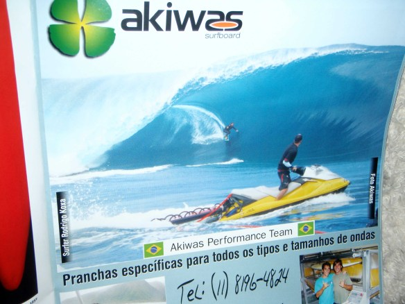 "Rodrigo Koxa Teahupoo "" Revista Alma Surf"" Anúncio Akiwas Surfboards."