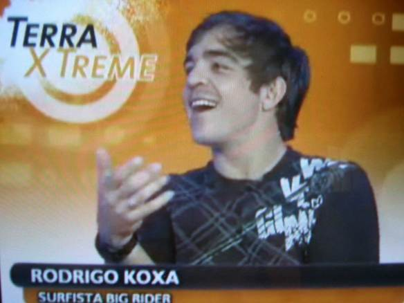 Rodrigo Koxa sendo entrevistado no TV Terra.