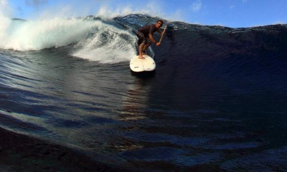 Rodrigo Koxa de SUP em Teahupoo 2009. Foto: Akiwas/wg