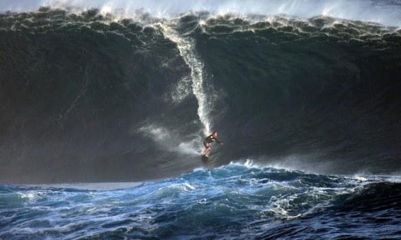 Rodrigo Koxa em Big swell de Rapa Nui. Foto:Akiwas