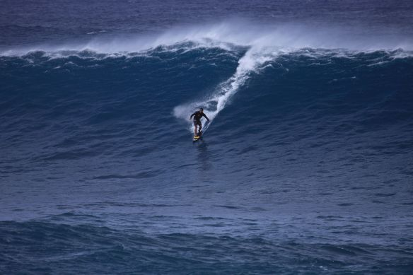 Local tow surfer Wilo. Foto:Akiwas