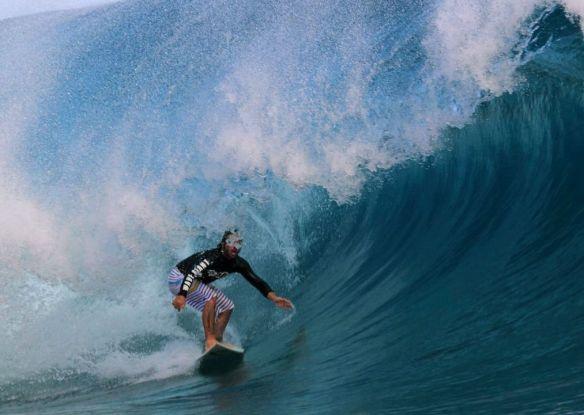 Rodrigo Koxa Teahupoo. Duplo ângulo com a GoPro. Foto:Akiwas