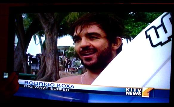 Intrevistado no swell de natal 25/12/2012 pelo NEWS da TV havaiana KITV.