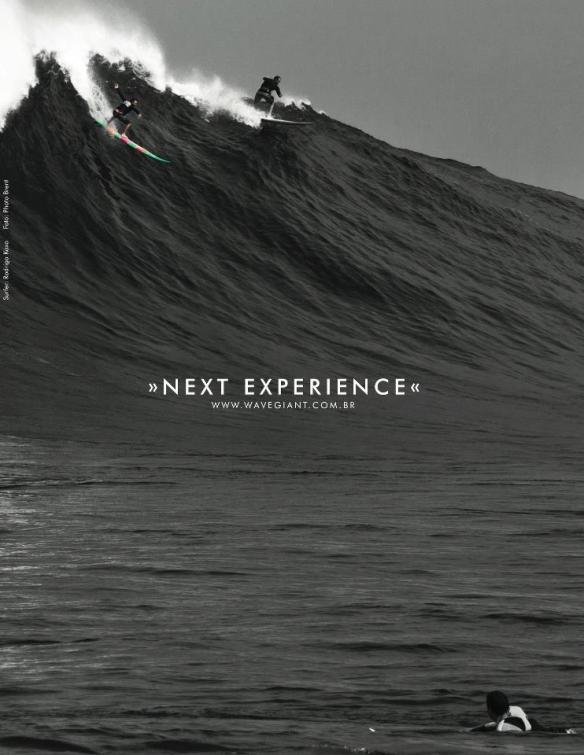 Rodrigo Koxa no anúncio Wave Giant dropando uma bomba em JAWS. Foto.BrentBielmann