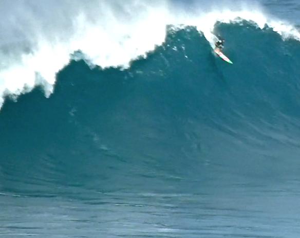 Rodrigo Koxa despencando em JAWS. 31/12/2012. Foto:AlineCacozzi