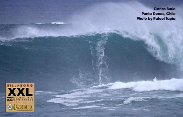 Carlos Burle concorrendo o XXL 2014 com a onda de Punta Docas, Pichicuy, Chile 3 de julho de 2013. Foto:RafaelTapia
