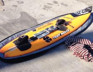 Prancha Akiwas com 10 kilos pronta para surfar as ondas gigantes de Nazaré.