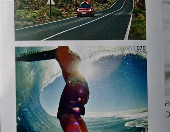 Rodrigo Koxa em página na encarte na revista Fluir com sua camera XTRX no CloudBreak de Fiji.